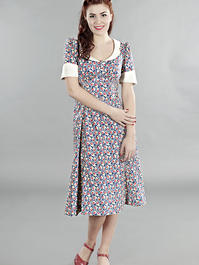 the lovely lindy dress. Navy flowers