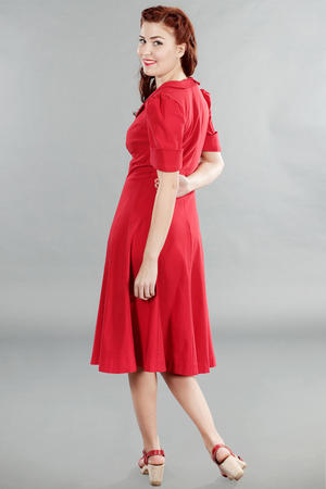 the lovely lindy dress. Lipstick red bengaline