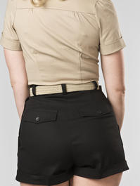 the casual voyager shorts. black twill
