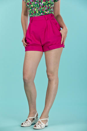 the casual voyager shorts. pink twill