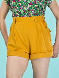 the casual voyager shorts. mustard weave