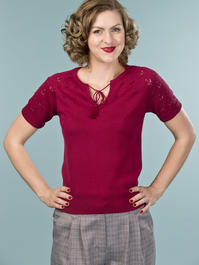 the knock out knit top. wine