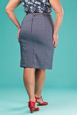 the curvy wiggle skirt. navy weave