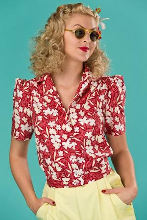 the hepcat holiday blouse. red floral
