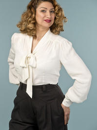 the busy bow blouse. cream white crêpe