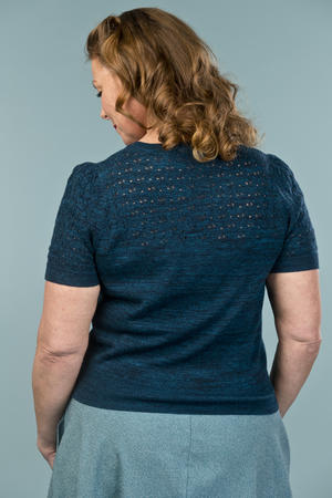 the sweetheart knit top. melanged teal