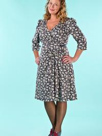 the vintage vixen dress. acorns navy