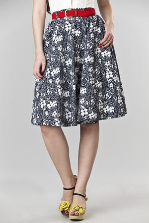 the sweetest swing skirt. navy flowers