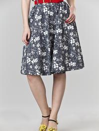the sweetest swing skirt. navy flowers