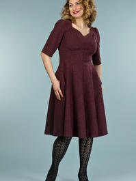 the swirly sweetheart dress. wine bouclé
