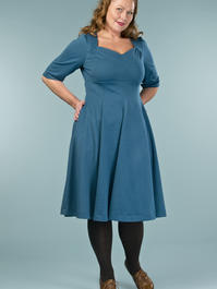 the swirly sweetheart dress. teal dots