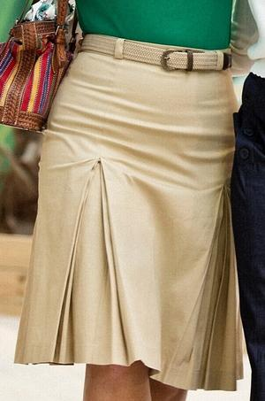the twirly swirly skirt. sand twill