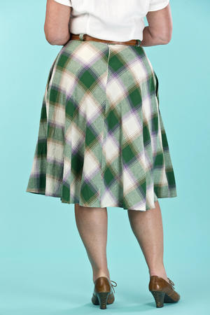 the jazzy A-line skirt. violet/green plaid
