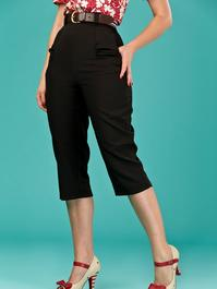 the curvy wiggle capris. black