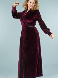 the beautiful boudoir robe. burgundy