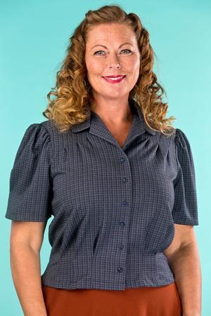 the Hollywood Boulevard blouse. navy plaid