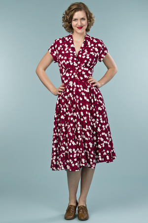 the rock around the clock dress. tulips in wine